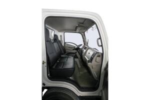 Cabin rộng rãi với 3 ghế ngồi, dễ dàng điều chỉnh