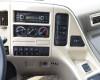 Radio, máy nghe nhạc và cụm điều khiển hệ thống điều hoà