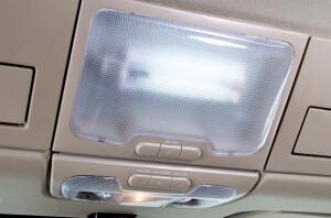 Công tắc chỉnh đèn trong cabin thuận tiện