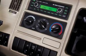 Cụm điều khiển Radio + Máy lạnh